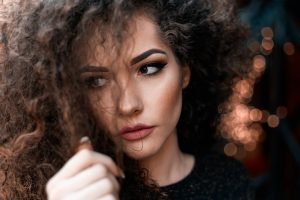 beauty mistakes that age you- hair