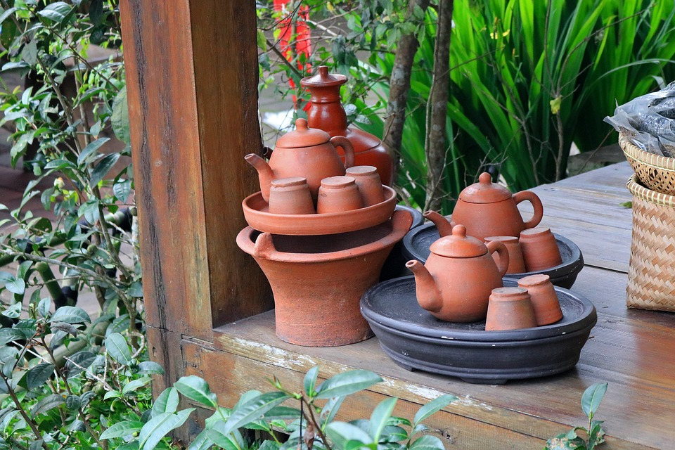 Clay pots and kettles - how to clean them